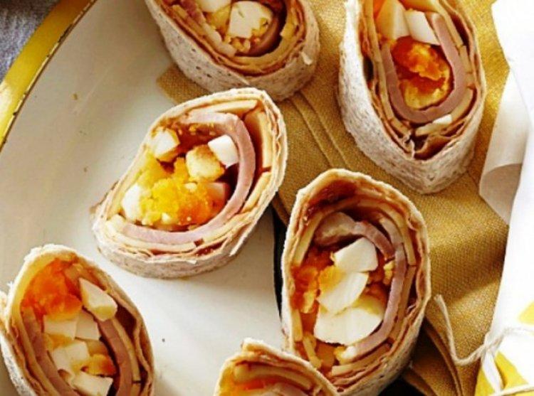 Рулца с бекон, сирене и яйца