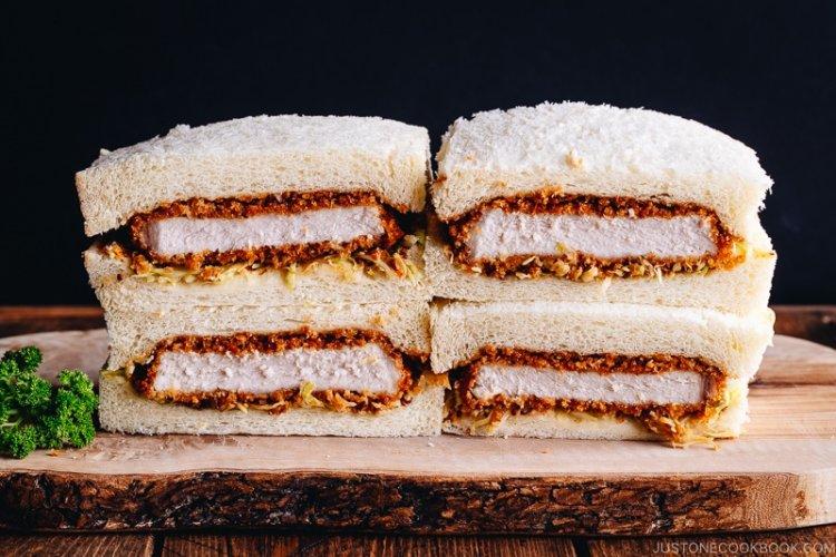 Японски сандвич с пиле