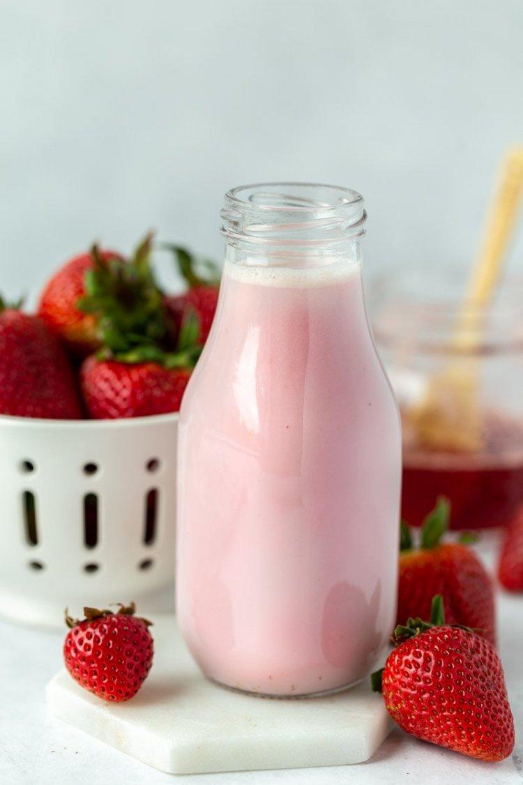 Ягодово мляко
