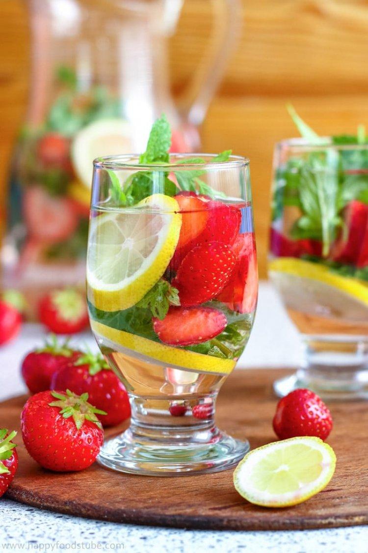 Плодова детокс напитка